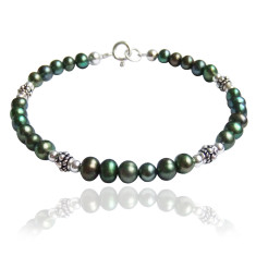 Freshwater pearl and bali silver bracelet