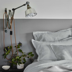 Pure linen bed sheet set in dove grey