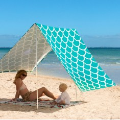 Sombrilla beach shelter in Aqua Shells
