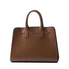 Elegant leather tote shoulder bag in brown