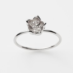 Baronia single bud ring in silver