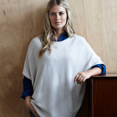 Reversible cotton cashmere poncho in starch & duvet