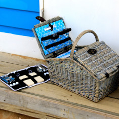 Lindeman wicker picnic basket set for 4
