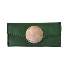 Zahra leather clutch in jade