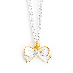 Chain necklace with gold bow