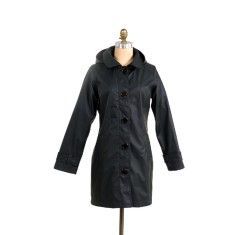 Brody raincoat in black