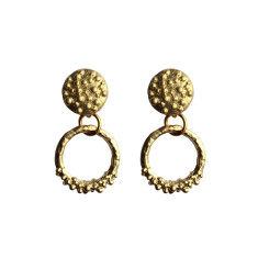 Bumpy round studs in gold