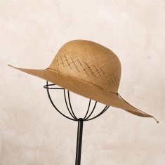 Cinta Hat