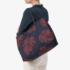 Wouf tote bag in leaves print