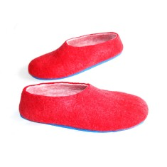 Women's wool felted shoes in red (various sole colours)