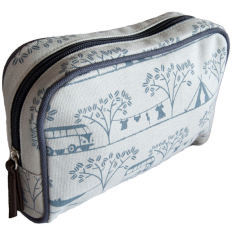 Tamelia Camping makeup bag