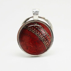 Cricket ball silver keyring