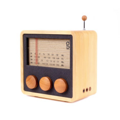 KuBO wooden radio and speaker