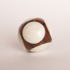 Cueball white knob/drawer pull