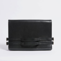 Strap clutch bag