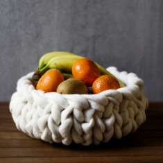 Medium wool bowl in white