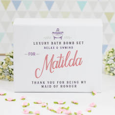 Personalised maid of honour bath bomb gift set