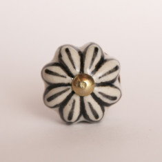 Daisy knob/drawer pull