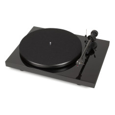Debut carbon DC phono USB turntable with built-in preamplifier
