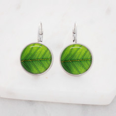 Green leaf glass dangle drop earrings in silver