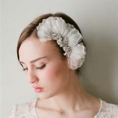 Bride petal hair comb