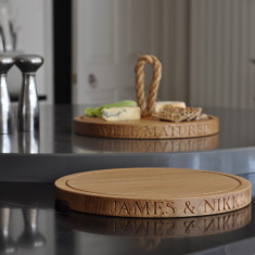 Personalised Oak Round Board (thin with grooves)