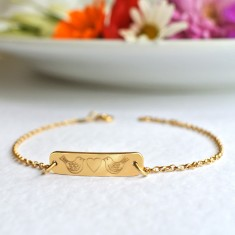 Personalised gold little bar bracelet