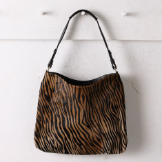 Hobo bag in zebra