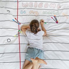 Doodle duvet cover with wash-out pens