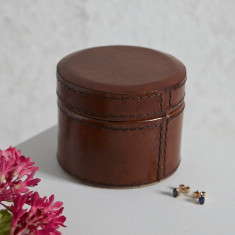 Personalised leather box for earrings