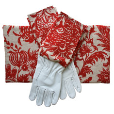 Gardener's gloves & kneeling pad in Red Clay