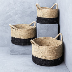 Contrast seagrass basket with handle