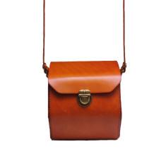 Leather doctor bag in orange