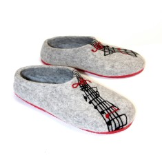 Handmade women's musical felt slippers