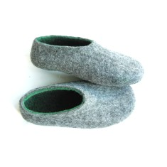 Men's felt slippers in grey green (various sole colours)
