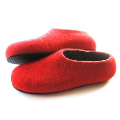 Merino felt slippers in poppy (various sole colours)
