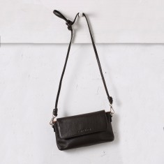 Mini cross body bag in chocolate
