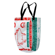 White piglets Vietnamese beach bag