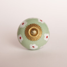 Flower bed knob/drawer pull