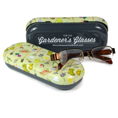 Glasses case for the gardener with personalised cloth