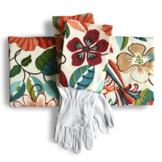 Gardeners kneeling pad & gloves in spice islands