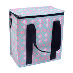 Insulated picnic bag in geometric print