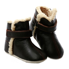 Pre-walker snug booties in chocolate brown