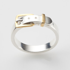 Buckle ring in silver and 18ct gold plate