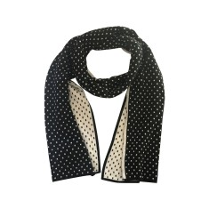 Double sided scarf in black and white