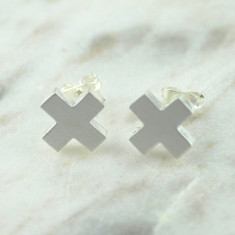 Cross my heart studs in brushed silver
