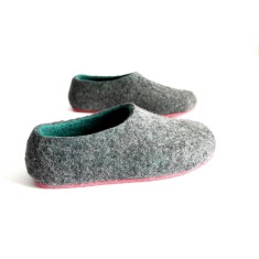 Women's wool slippers in pastel dream