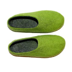 Women's wool slippers in woodland