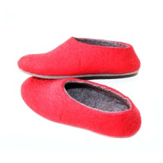 Women's wool shoes in love