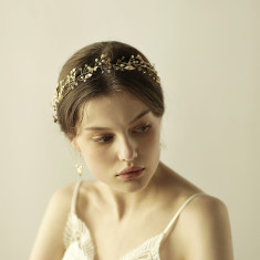 Elegant Bridal Hair Crown